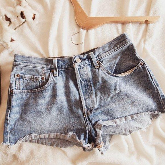 Levi's 501 High Rise Cut Off Denim Jean Shorts 30W